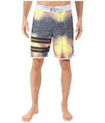 "Hurley Phantom Block Party Sig Zane 19"" Boardshort"