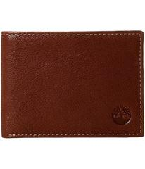 Timberland Cavalieri Leather Passcase Wallet