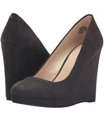 Nine West Halenia