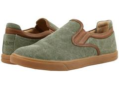 UGG Mateo Canvas