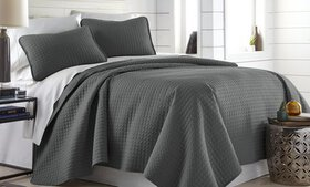 Vilano Springs Quilt Sets (2- or 3-Piece)