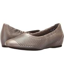 Rockport Total Motion 20mm Hidden Wedge Luxe Perf