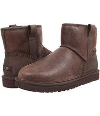 UGG Stout Leather