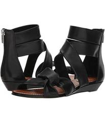 Vince Camuto Seevina