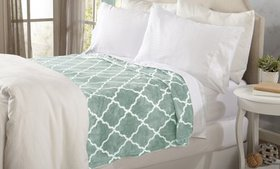 Great Bay Home Ultra Plush Printed Bed Blanket
