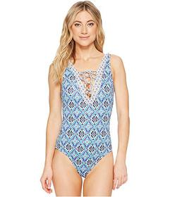 Tommy Bahama Tika Tiles Reversible Lace Front One-