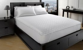 Classic Quilted Mattress Protector