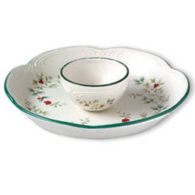 Pfaltzgraff Winterberry 2pc. Chip and Dip Bowl