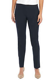 Signature Skinny Pant with Zip Pockets in Modern S