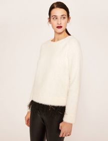 FEATHER HEM FUZZY SWEATER
