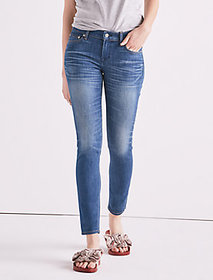 Made In L.a. Lolita Mid Rise Skinny Jean In Taylor