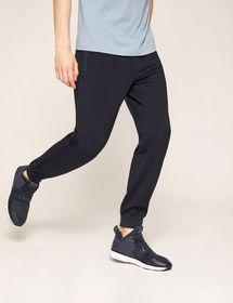 CLASSIC STREAMLINED JOGGER