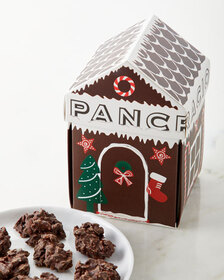 Pancracio Little Christmas House - Chocolate Clust