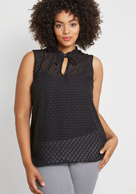 ModCloth ModCloth Stylish Vision Tie-Neck Top in D