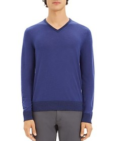 Theory Theory - Rothley Merino Wool V-Neck Sweater