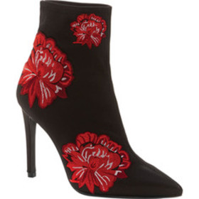 Jessica Simpson Pelanna Pointed Toe Ankle Boot (Wo