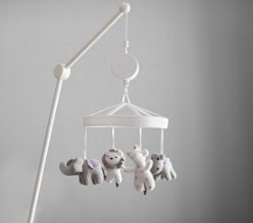 Knit Animal Friends Crib Mobile