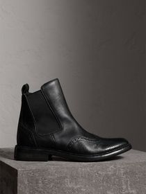 Brogue Detail Polished Leather Chelsea Boots in Bl