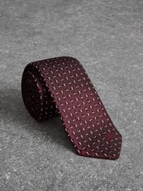 Slim Cut Geometric Silk Jacquard Tie in Deep Clare