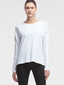LONG-SLEEVE LACE-UP TEE