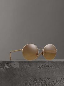 Check Detail Round Frame Sunglasses in Gold
