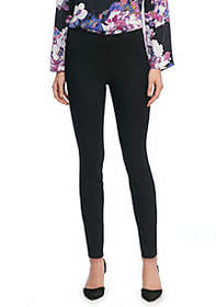 Signature Pull-on Skinny Pant in Exact Stretch