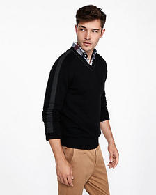 tipped v-neck pullover sweater