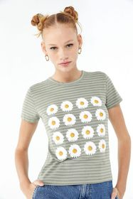 Truly Madly Deeply Daisy Tee