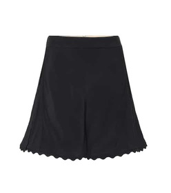 Chloé Scalloped crêpe shorts