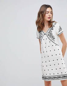 Deby Debo Billy Embroidered Shift Dress