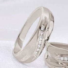 Mens Loveblooms™ Sterling Silver 1/20ctw. Wave Ban