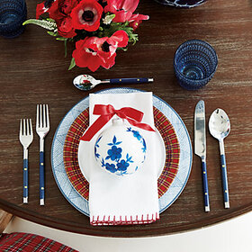 Whipstitch Napkins Set accessory and tabletop disp