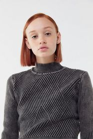 UO Chunky Knit Cropped Mock-Neck Sweater