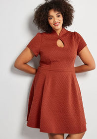 High Society Style Short Sleeve Dress in Textured