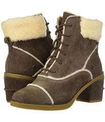 UGG Esterly Boot