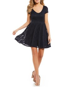 Sequin Hearts Lace V-Neck Double Tie-Back Fit-and-
