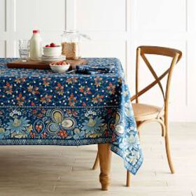 Berry Meadow Tablecloth