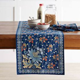 Berry Meadow Table Runner