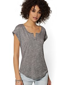 Cuffed Split Neck - Soho Soft Tee - New York & Com