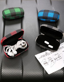 KIKKERLAND Buffalo Plaid Travel Case Blind Box_