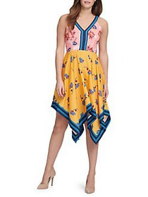 Guess Sleeveless Floral Multi-Printed Dress GRAPEF