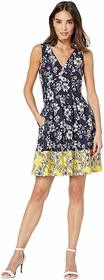 Vince Camuto Printed Scuba Crepe Double V Fit and
