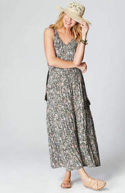 Tiered Floral Knit Maxi Dress
