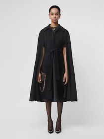 Burberry Double-faced Cashmere Belted Cape in Blac