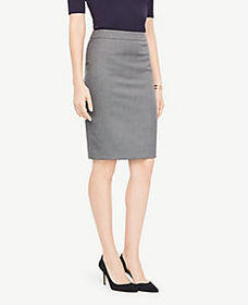 Curvy Pencil Skirt in Sharkskin