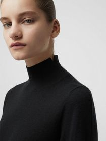 Burberry Cashmere Turtleneck Sweater in Black