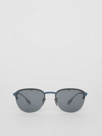 Burberry Round Frame Sunglasses in Blue