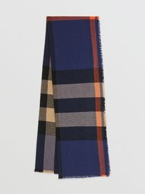 Burberry Fringed Check Wool Cashmere Scarf in Ink