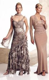 Montage - Queen Anne Long Sleeves Gown 26908PNJ