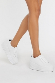 Nasty Gal Womens White As High as Slope Platform S